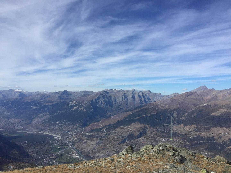 Ausblick vom Gipfel des Ergischhorns im Herbst