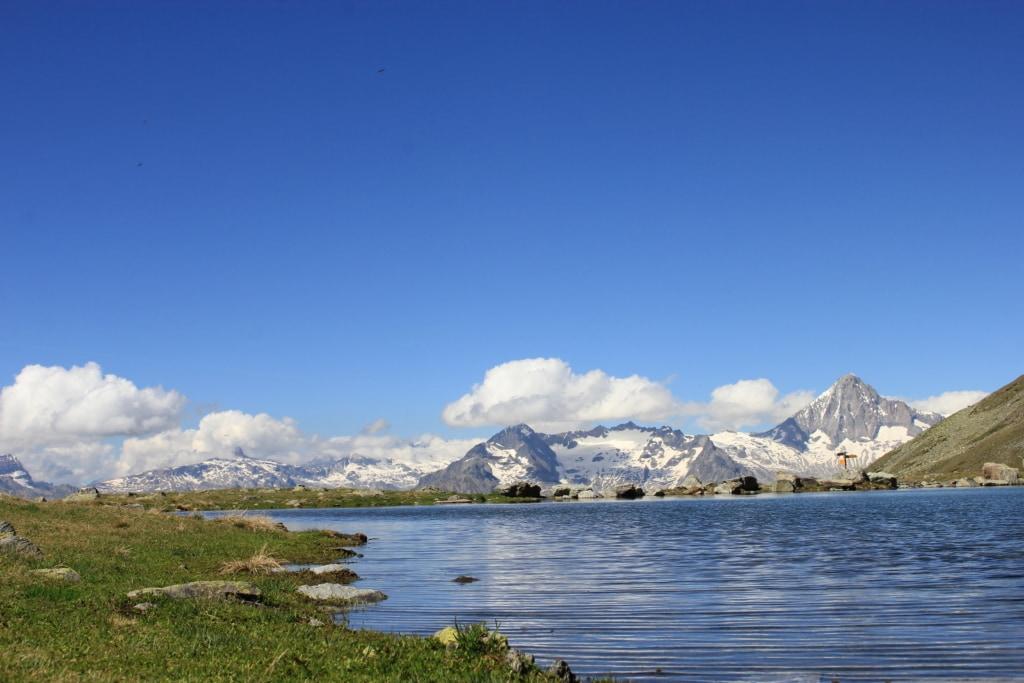 Grosse See mit Panorama Bietschorn im Sommer