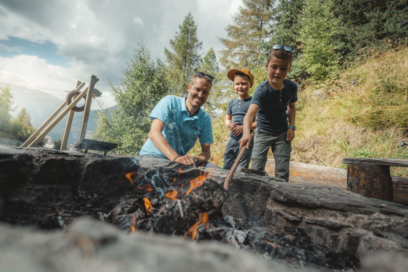 Feuerstelle Schweizer Familie