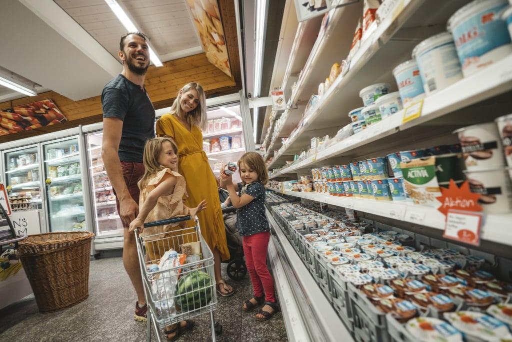 Einkaufen im Volg Unterbäch