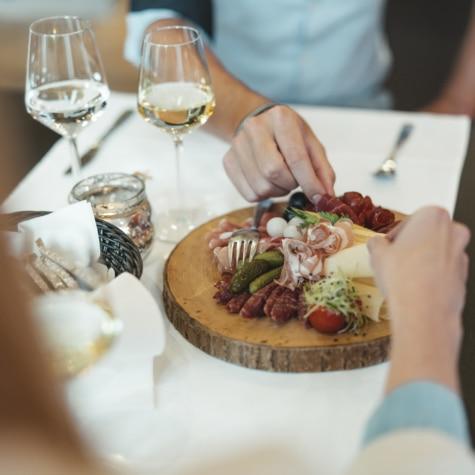 Walliser Spezialitäten im Restaurant Alpenhof